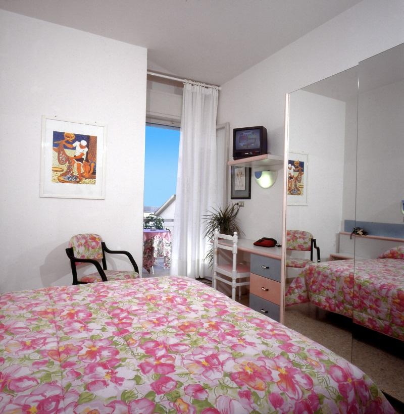 h tel famille proche de la mer hotel chic 3 toiles cattolica. Black Bedroom Furniture Sets. Home Design Ideas
