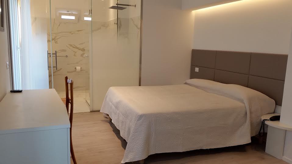 Camere Dalbergo Più Belle : Camere con balcone a cattolica hotel chic 3 stelle cattolica